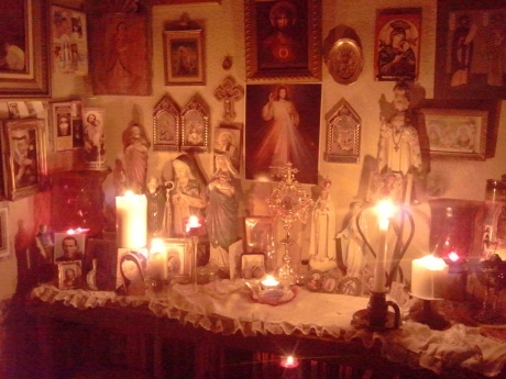 I love to pray by candlelight