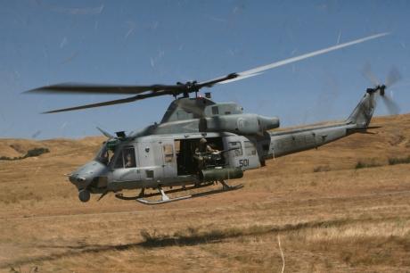 UH-1Y_HMLAT-303_Camp_Pendleton_2008