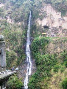 450px-Cascada_-_Santuario_de_las_Lajas