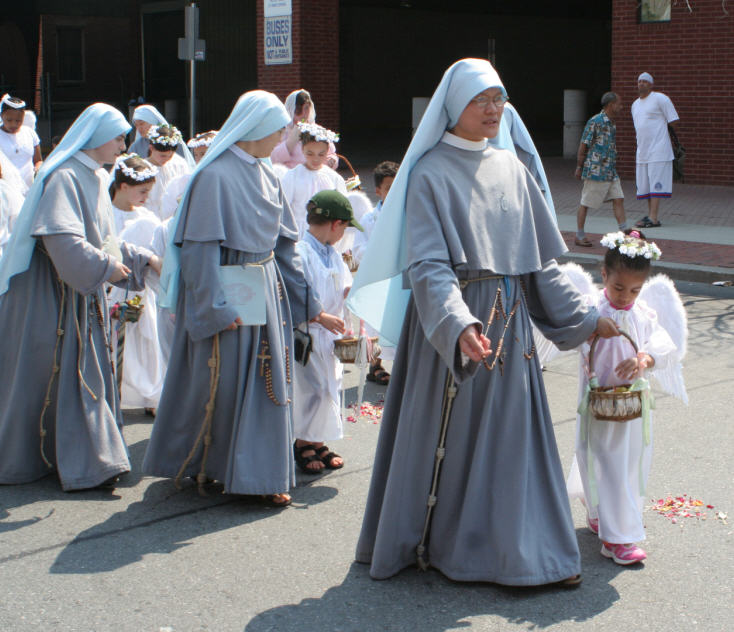 How wearing religious clothing publicly can work ...