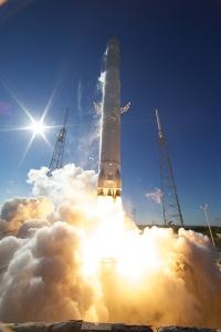 dragon.launch.4