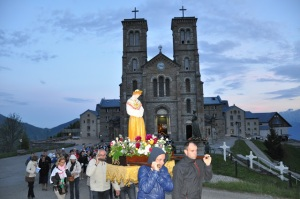 la salette procession iv
