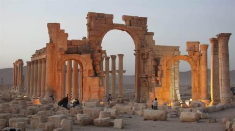 150823-palmyra-syria-isis_64b4f68b6ff81ae62d4b6d40678ed19e.nbcnews-ux-2880-1000